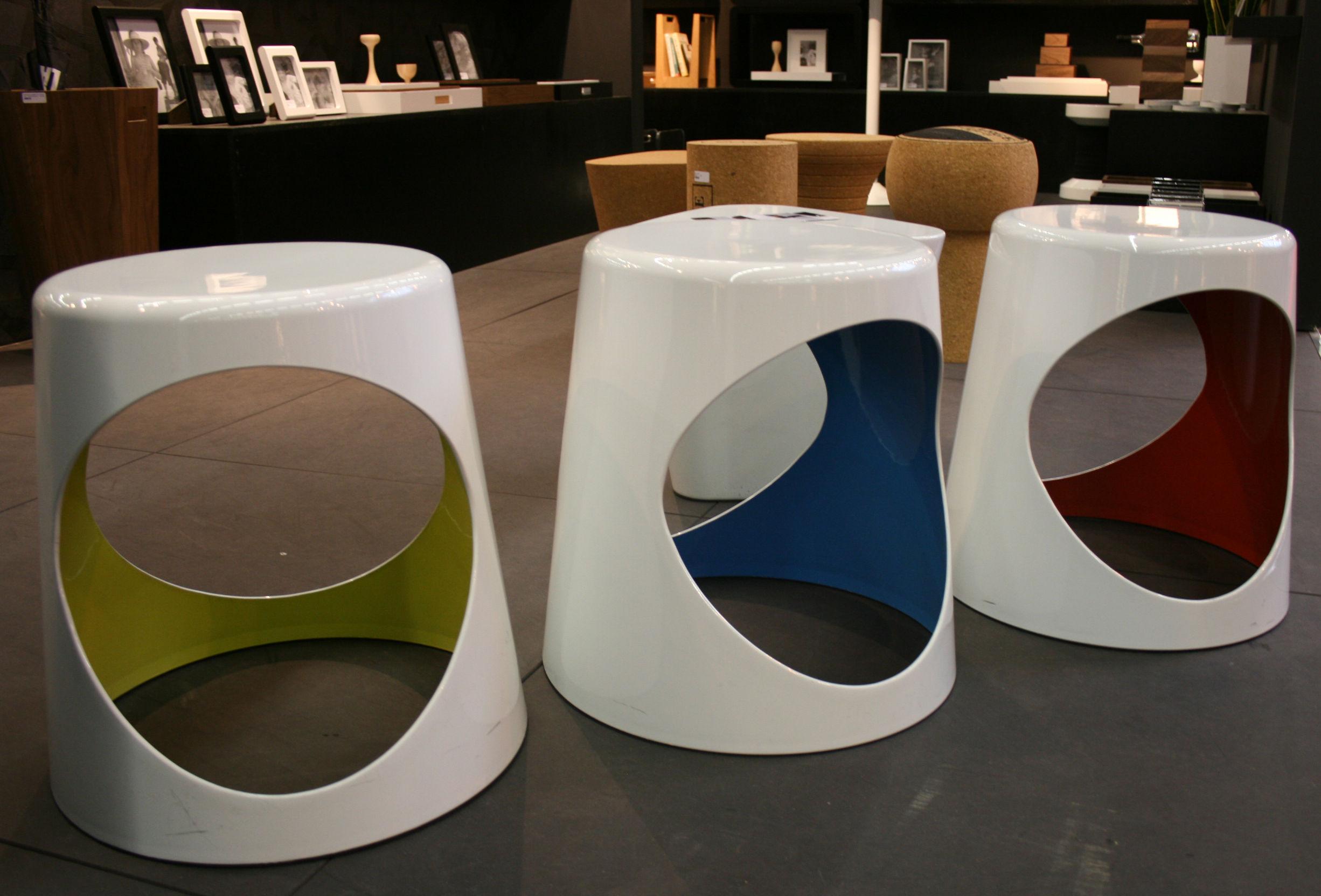 Scopri sgabellino o2 chair bianco interno blu di xl boom made in