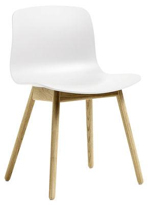 Chaise About a chair AAC12 / Plastique & pieds bois - Hay blanc/bois naturel en matière plastique/bois