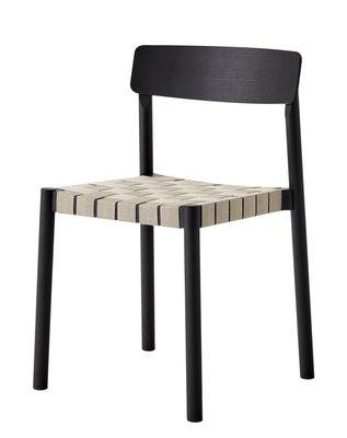 Mobilier - Chaises, fauteuils de salle à manger - Chaise empilable Betty TK1 / Sangles en lin - &tradition - Noir / Lin naturel - Bois massif, Contreplaqué, Lin