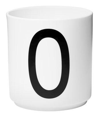 Mug Arne Jacobsen / Porcelaine - Lettre O - Design Letters blanc en céramique