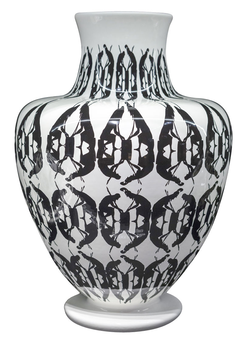 greeky vase 30 cm x h 43 cm handgefertigt schwarz wei by driade made in design. Black Bedroom Furniture Sets. Home Design Ideas