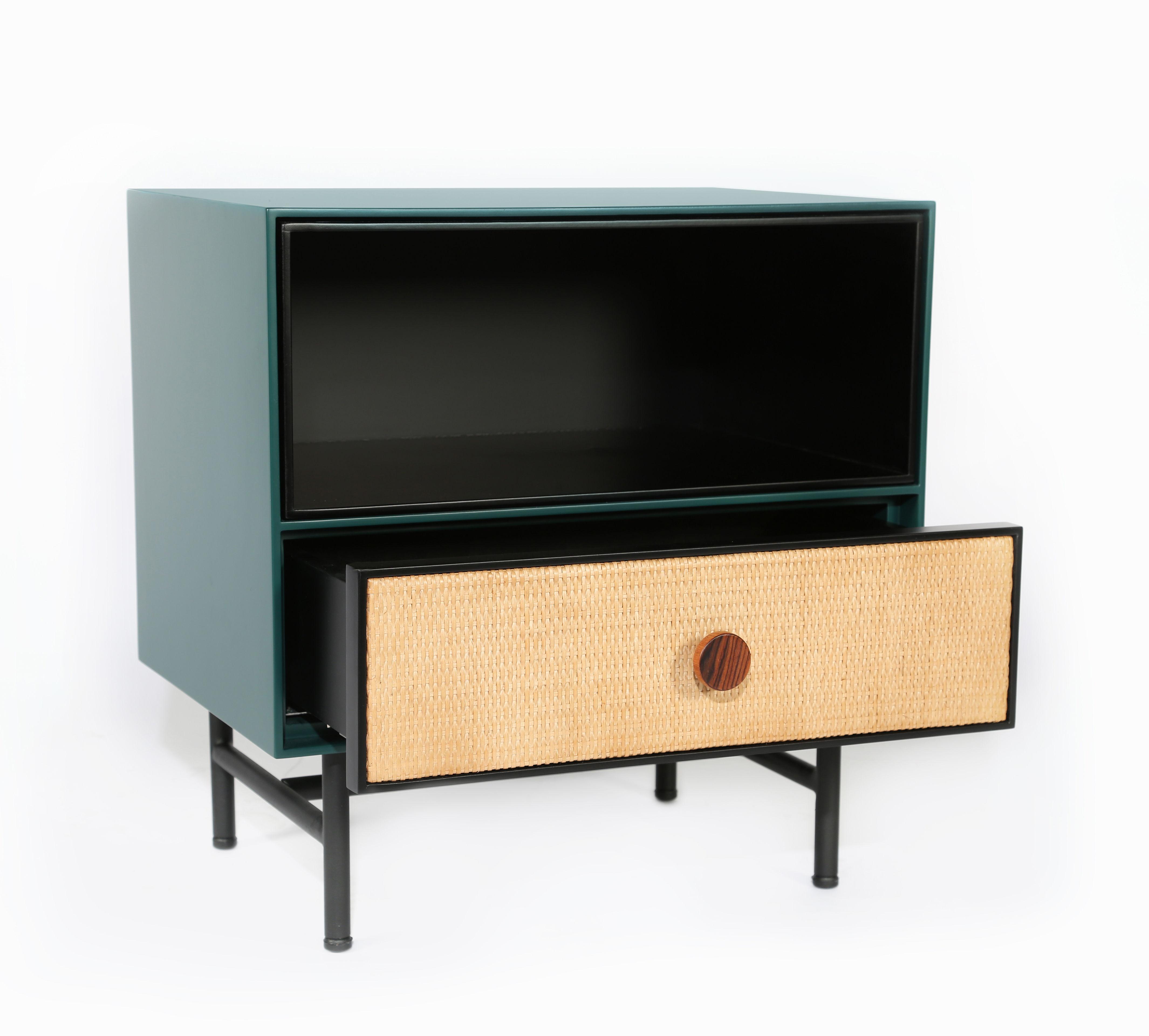 table de chevet essence bois rotin noir bleu sarah. Black Bedroom Furniture Sets. Home Design Ideas