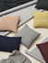 Coussin Layer / Laine baby lama tricotée main - 50 x 50 cm - Muuto
