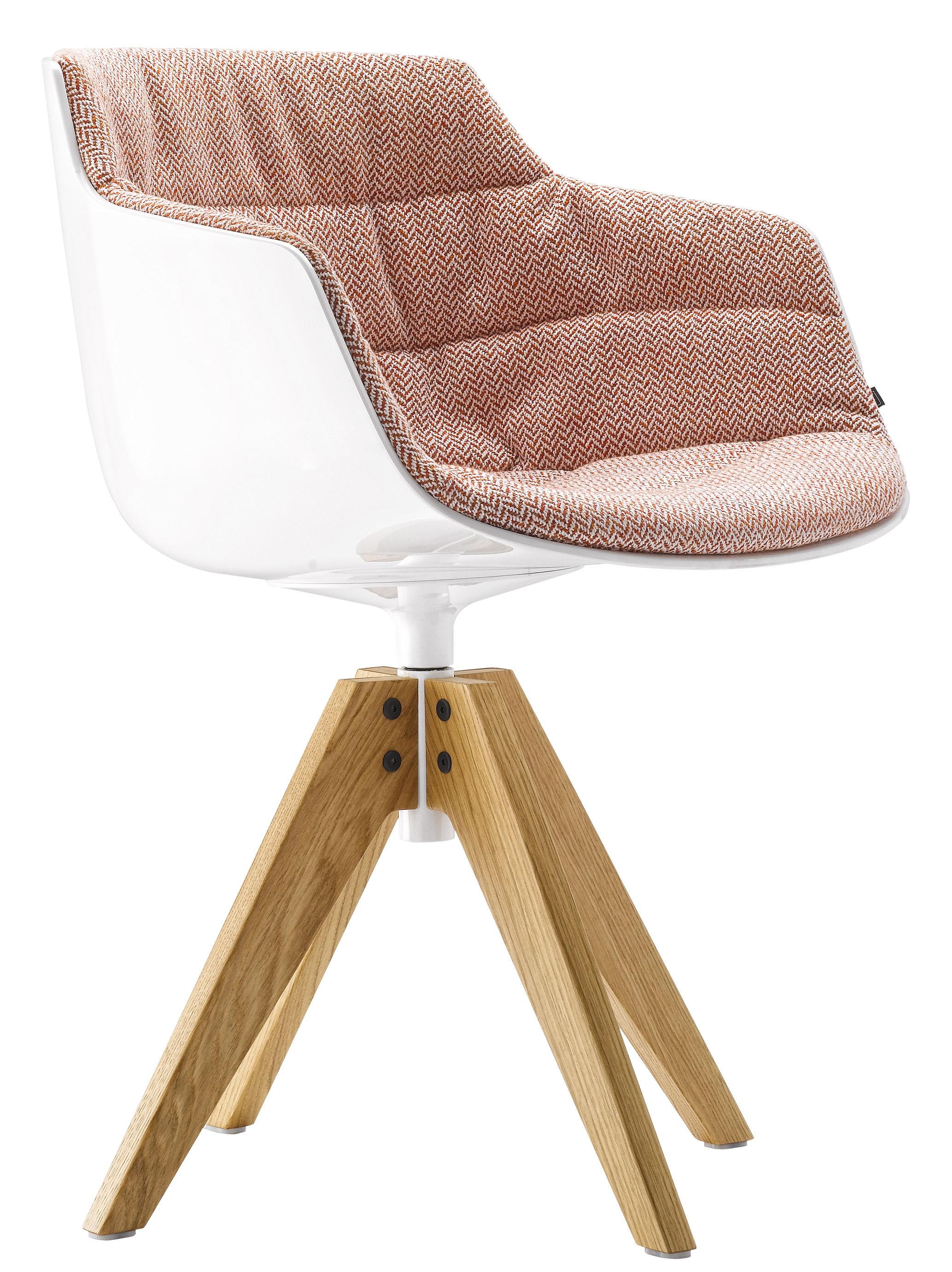 Mobilier - Chaises, fauteuils de salle à manger - Fauteuil pivotant Flow Slim / Rembourré - 4 pieds VN chêne - MDF Italia - Tissu rouge / Pieds chêne - Aluminium laqué, Polycarbonate, Tissu