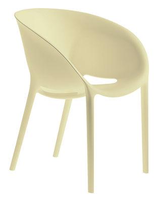Mobilier - Chaises, fauteuils de salle à manger - Fauteuil empilable Soft Egg / Polypropylène - Driade - Ivoire - Polypropylène