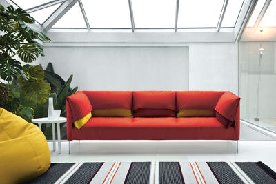 Divano Rosso Cuscini : Scopri divano destro undercover posti l cm rosso
