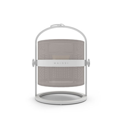 Lampe solaire La Lampe Petite LED / Hybride & connectée - Structure blanche - Maiori blanc/gris en métal/tissu