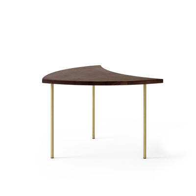 Furniture - Coffee Tables - Pinwheel HM7 (1953) End table by &tradition - Walnut / Brass - Brass, Solid walnut