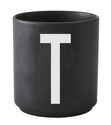 Mug Arne Jacobsen / Porcelaine - Lettre T - Design Letters noir en céramique