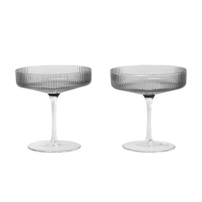 Tavola - Bicchieri  - Coppa da champagne Ripple - / Set da 2 - Bicchiere soffiato a bocca di Ferm Living - Grigio fumo - Vetro soffiato a bocca