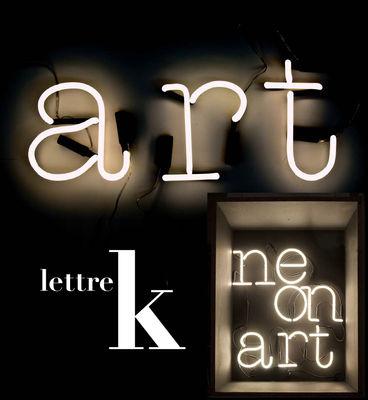 Applique con presa Neon Art - Lettera K di Seletti - Bianco - Vetro