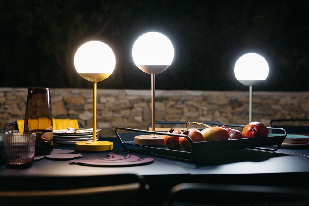 Lampe Ohne Kabel Mooon! LED Von Fermob - Grau