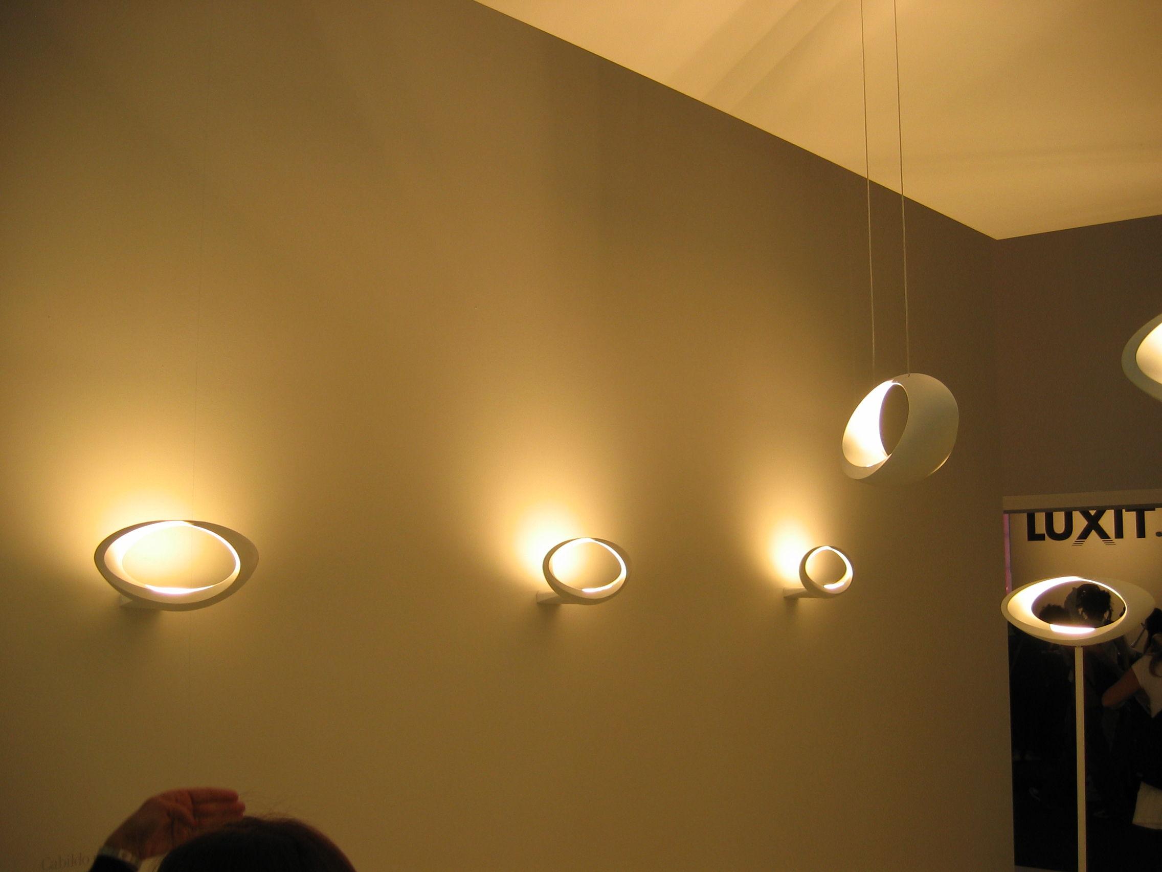 Applique da parete mimik led design minimal per tutte le