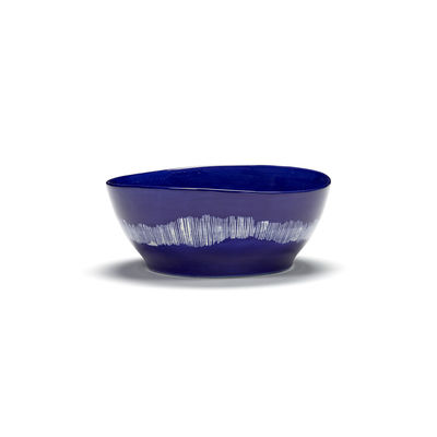 Tischkultur - Salatschüsseln und Schalen - Feast Schale Large / Ø 18 x H 8 cm - Serax - Striche / Lapislazuli & weiß - emaillierter Sandstein
