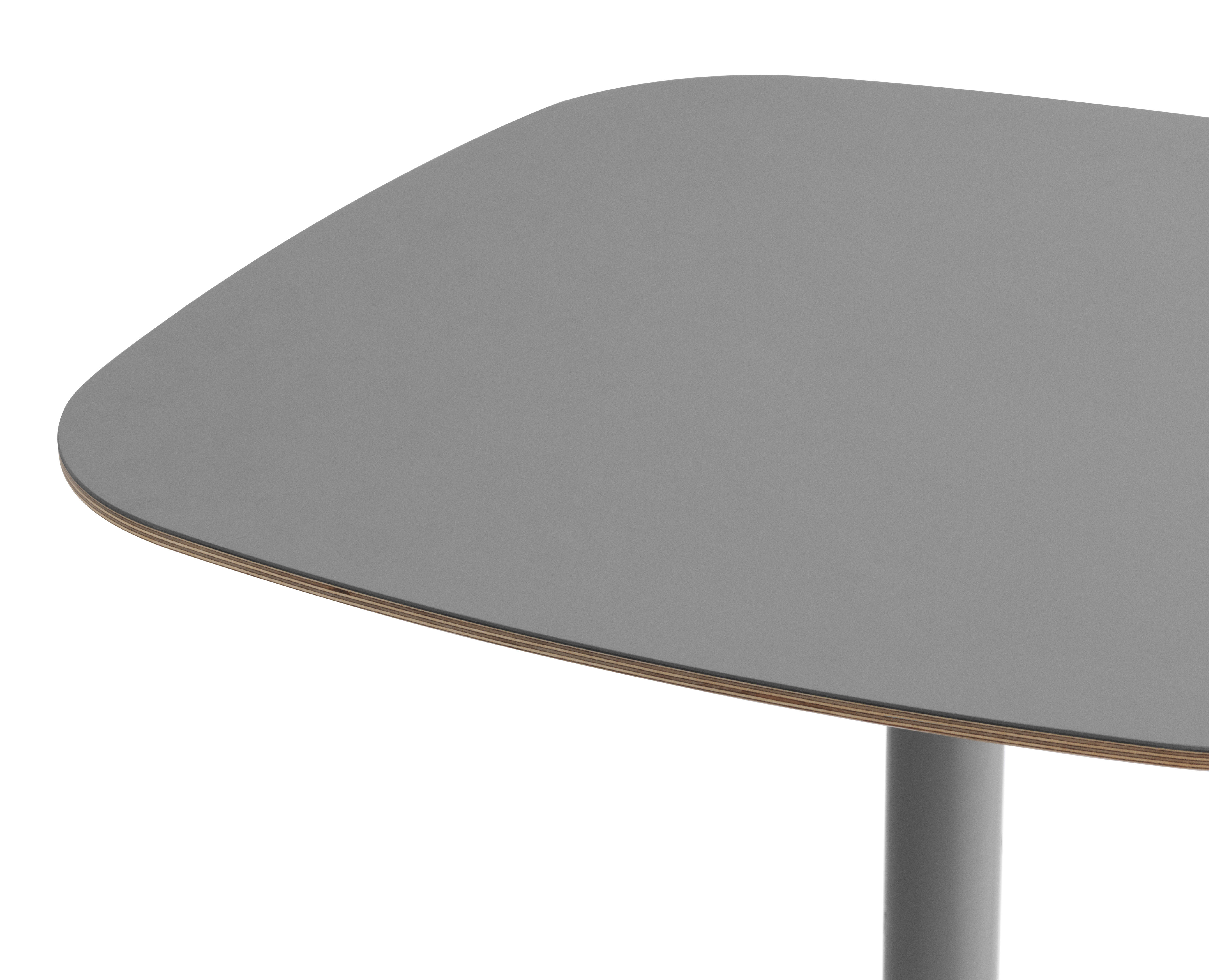 Tisch form von normann copenhagen grau eiche h 74 5 for Tisch design eiche
