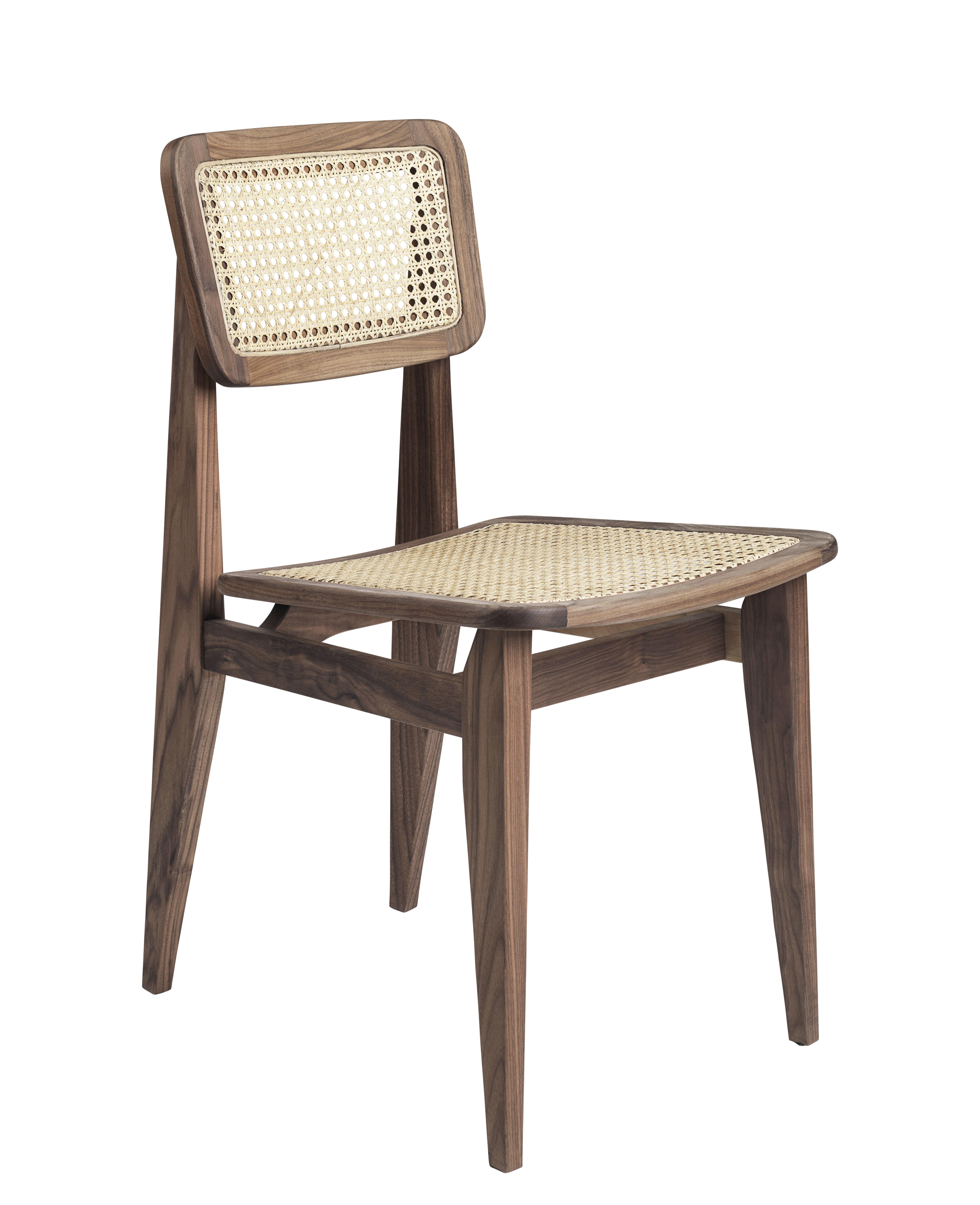 Möbel - Stühle  - C-Chair Stuhl / Rattangeflecht - Neuauflage des Originals aus dem Jahr 1947 - Gubi - Rattangeflecht natur / Nussbaum - Cannage de rotin, Nussbaum