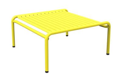 Table basse Week-end / 69 x 60 cm - Aluminium - Petite Friture jaune en métal