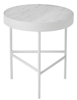 Möbel - Couchtische - Marble Medium Beistelltisch / Ø 40 x H 45 cm - Ferm Living - Marmor weiß  / Fußgestell weiß - bemaltes Metall, Marmor