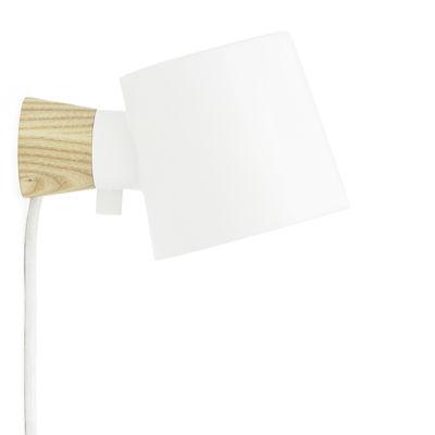 Luminaire - Appliques - Applique avec prise Rise / Orientable - Bois & métal - Normann Copenhagen - Blanc / Bois - Frêne massif, Métal laqué