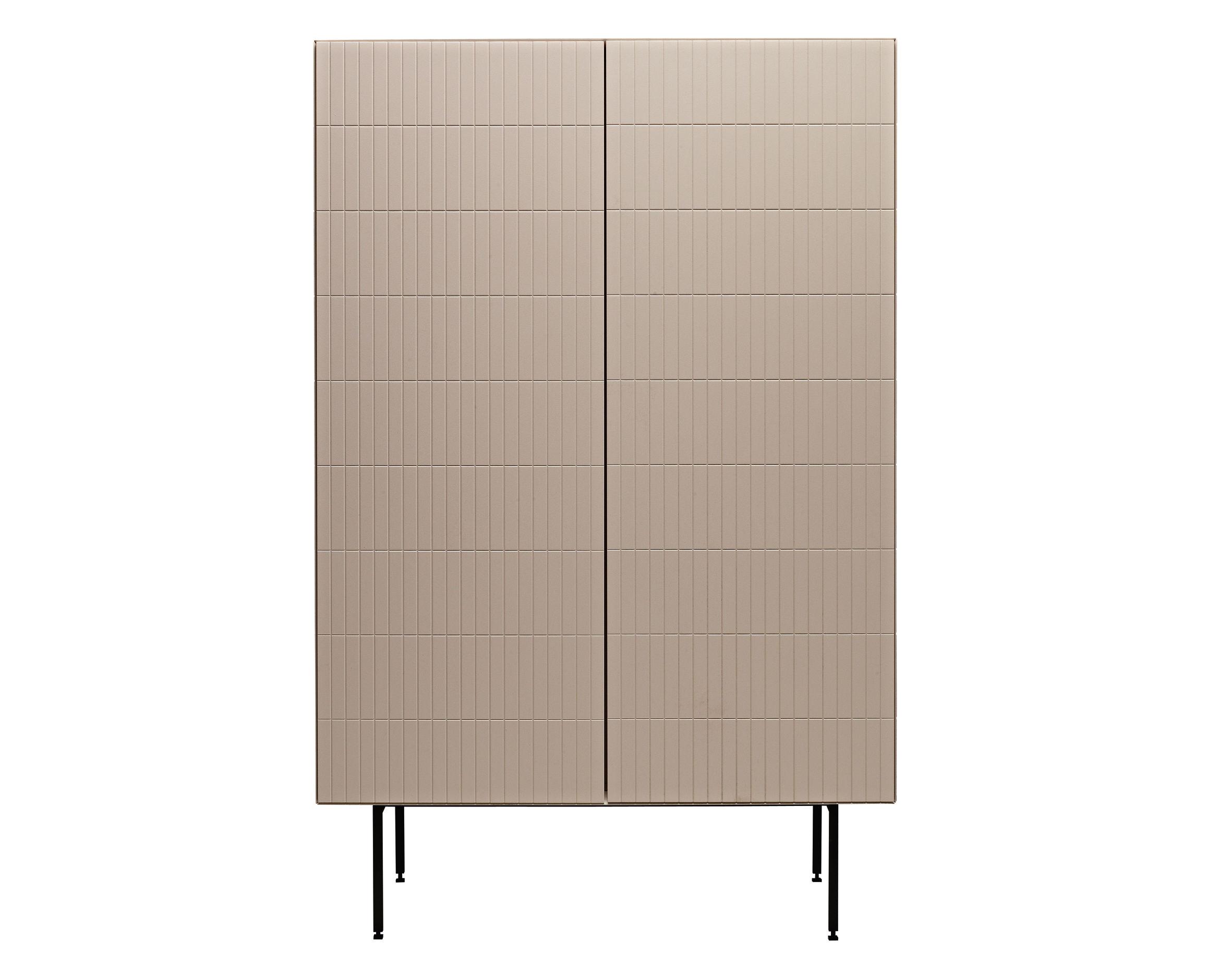 Möbel - Kommode und Anrichte - Toshi Schrank / Modell N° 5 - L 91 cm x H 140 cm, mit Füßen - Casamania - Hellgrau - lackierte Holzfaserplatte, Metall