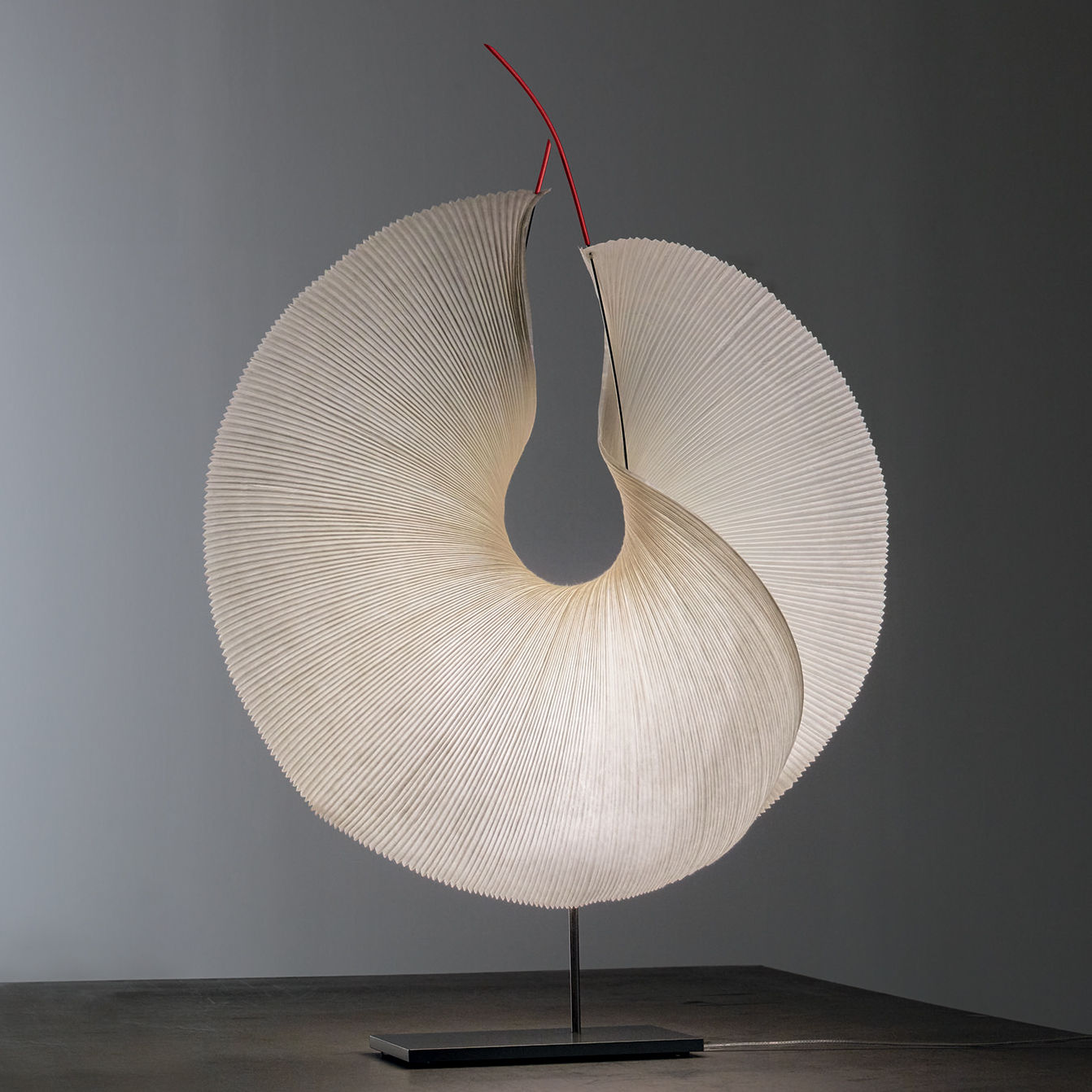 Lighting - Table Lamps - The MaMo Nouchies LED Table lamp - / Yoruba Rose by Ingo Maurer - Beige - Japanese paper, Lacquered metal