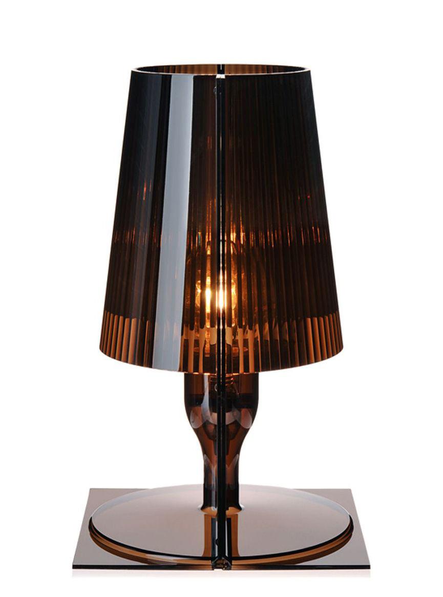 Lampada da tavolo take di kartell grigio made in design for Lampada da tavolo di design
