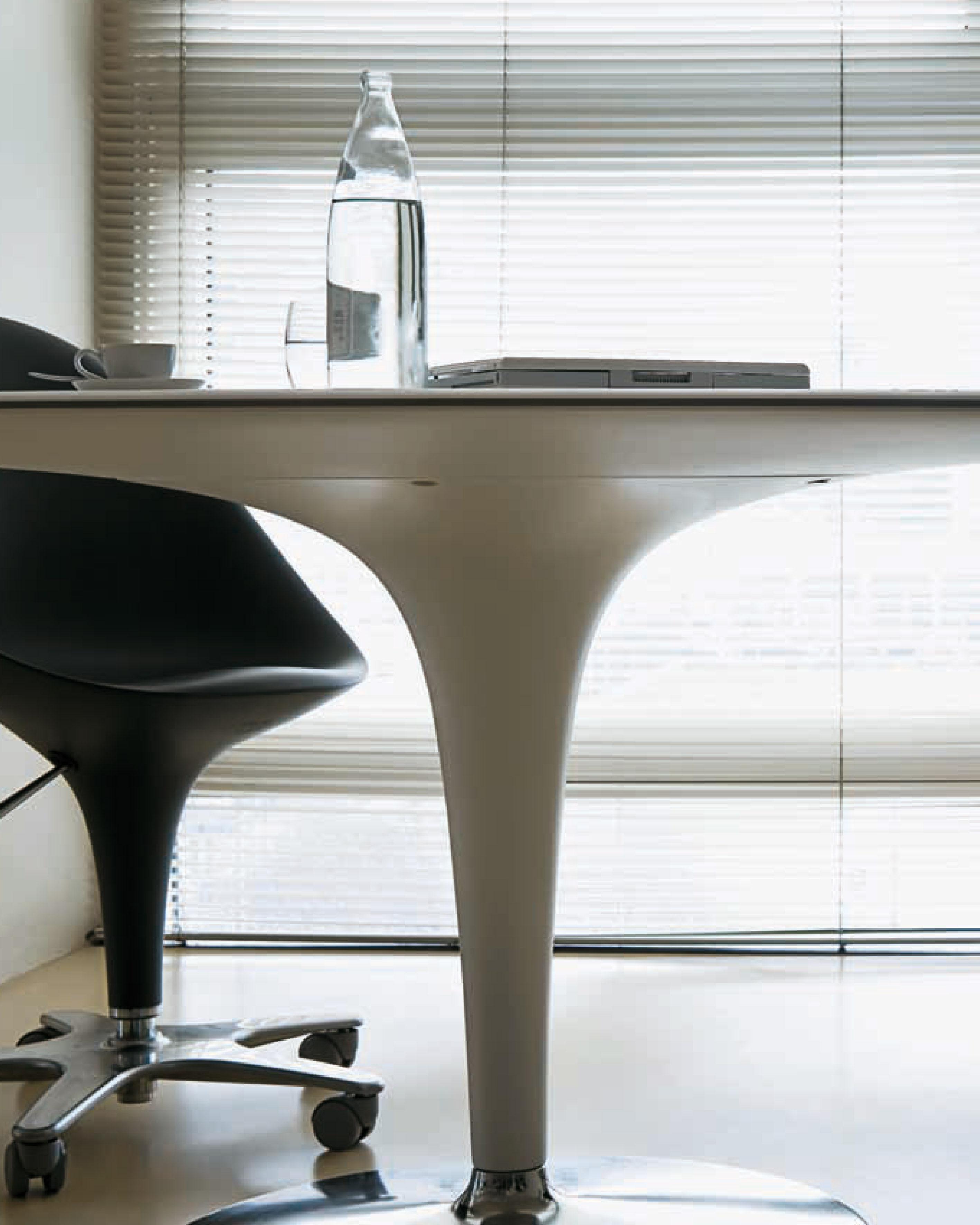 Tavolo big bombo magis 170 x 110 cm bianco l 170 x l for Tavolo ovale bianco design