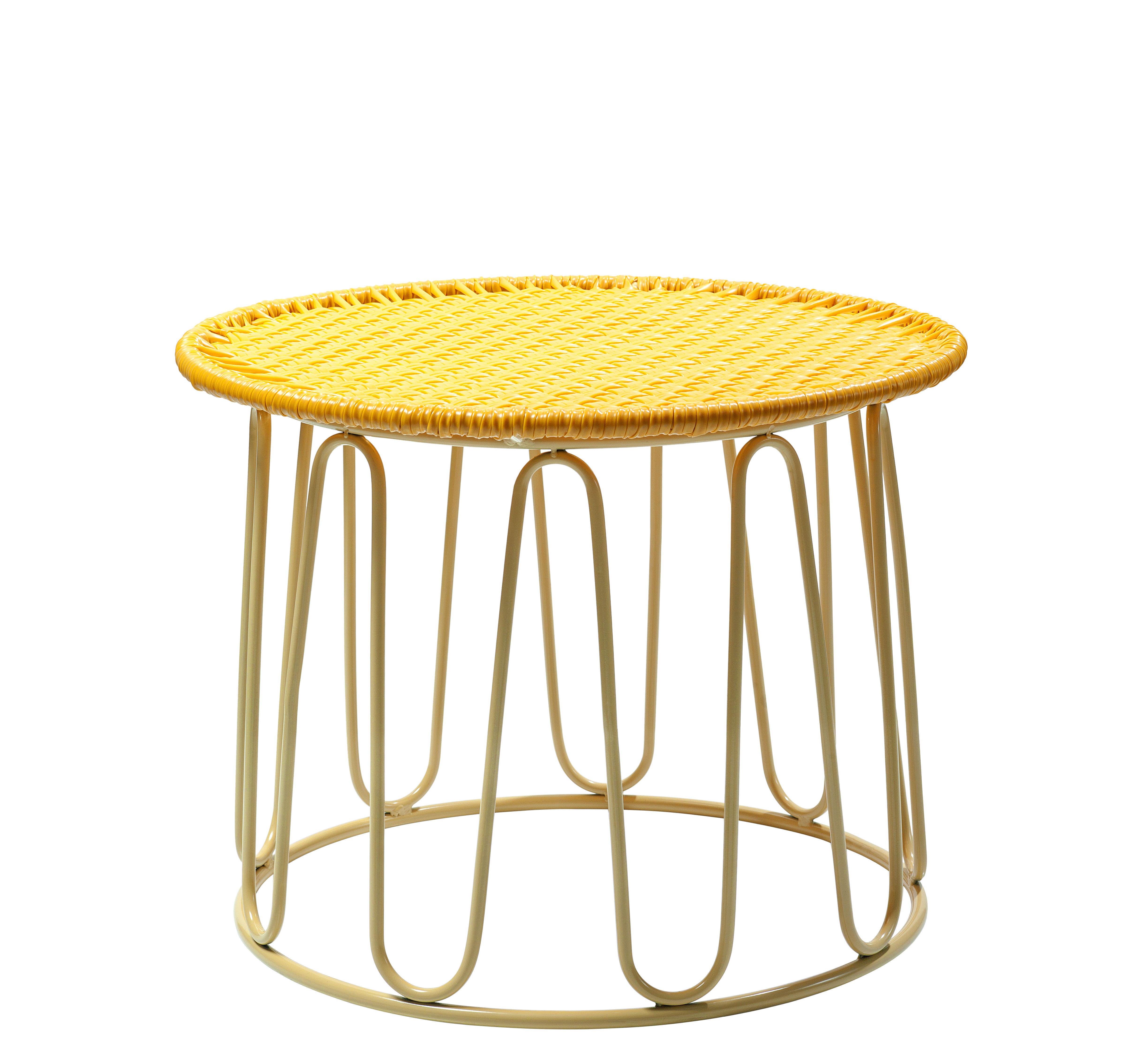 Möbel - Couchtische - Circo Couchtisch / Ø 51 cm x H 42 cm - ames - Gelb / Tischbeine sandfarben - Recycelte Kunststoffdrähte, Thermolackierter verzinkter Stahl