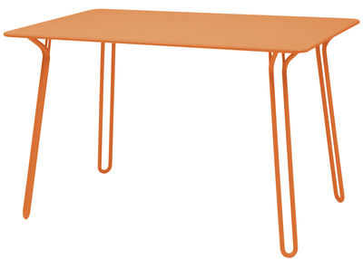 Table Surprising / 120 x 78 cm - Fermob carotte en métal