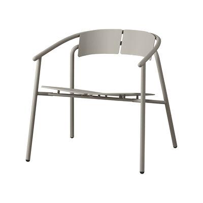 Arredamento - Poltrone design  - Poltrona bassa Novo - / Metallo di AYTM - Taupe - Acciaio verniciato a polvere, alluminio verniciato a polvere