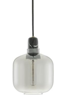 Leuchten - Pendelleuchten - Amp Small Pendelleuchte / Ø 14 x H 17 cm - Normann Copenhagen - Rauchglasoptik / schwarzer Marmor - Glas, Marmor