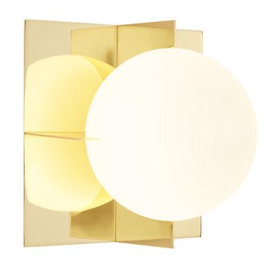 Leuchten - Wandleuchten - Plane Wandleuchte / 20 x 20 cm - Tom Dixon - Messing, poliert / Kugel weiß - Glas, Messingbeschichteter Stahl