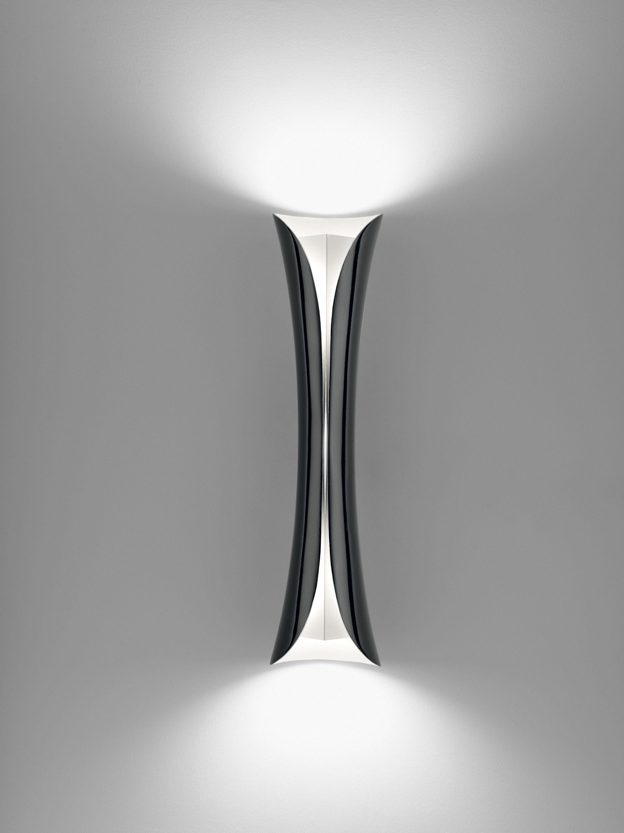 Leuchten - Wandleuchten - Cadmo LED Wandleuchte - Artemide - Schwarz - Aluminium, Matériau thermoplastique