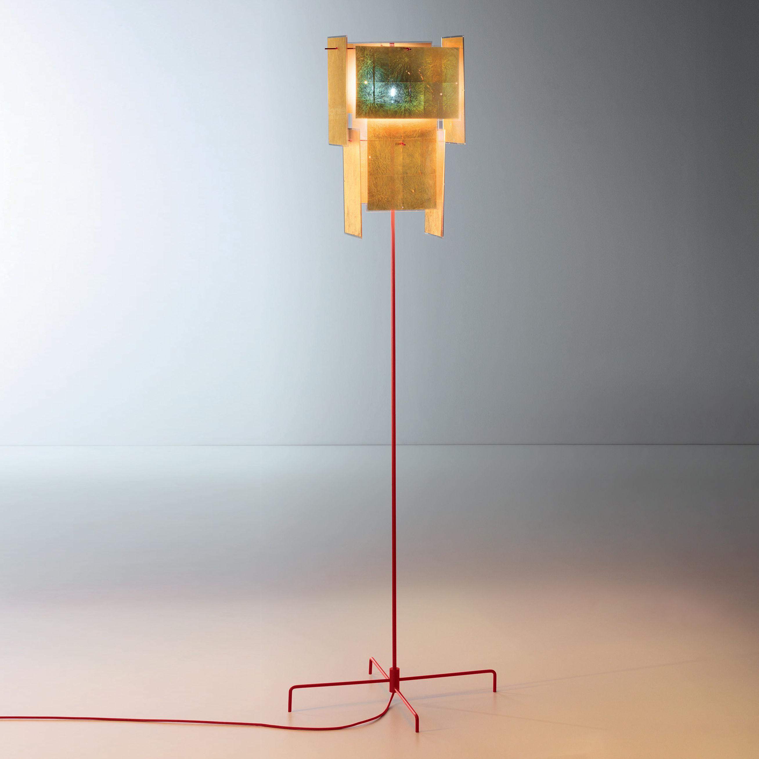 Lighting - Floor lamps - 24 Karat Blau Floor lamp - / Gold leaf by Ingo Maurer - Gold & red - Gold leaf, Lacquered metal, Plastic material