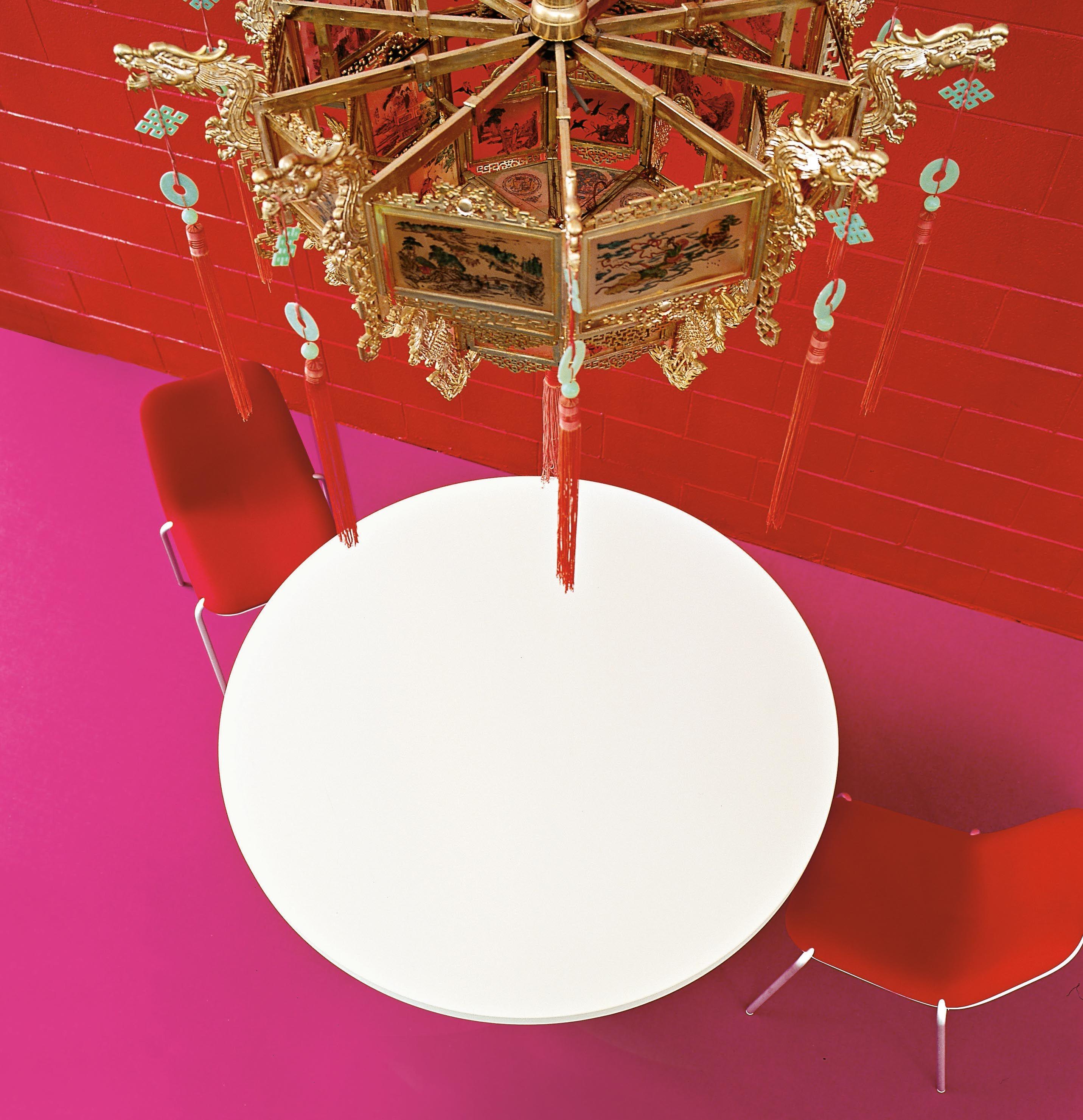 Tavolo con prolunga oops di kristalia bianco made in for Arredamento in saldo