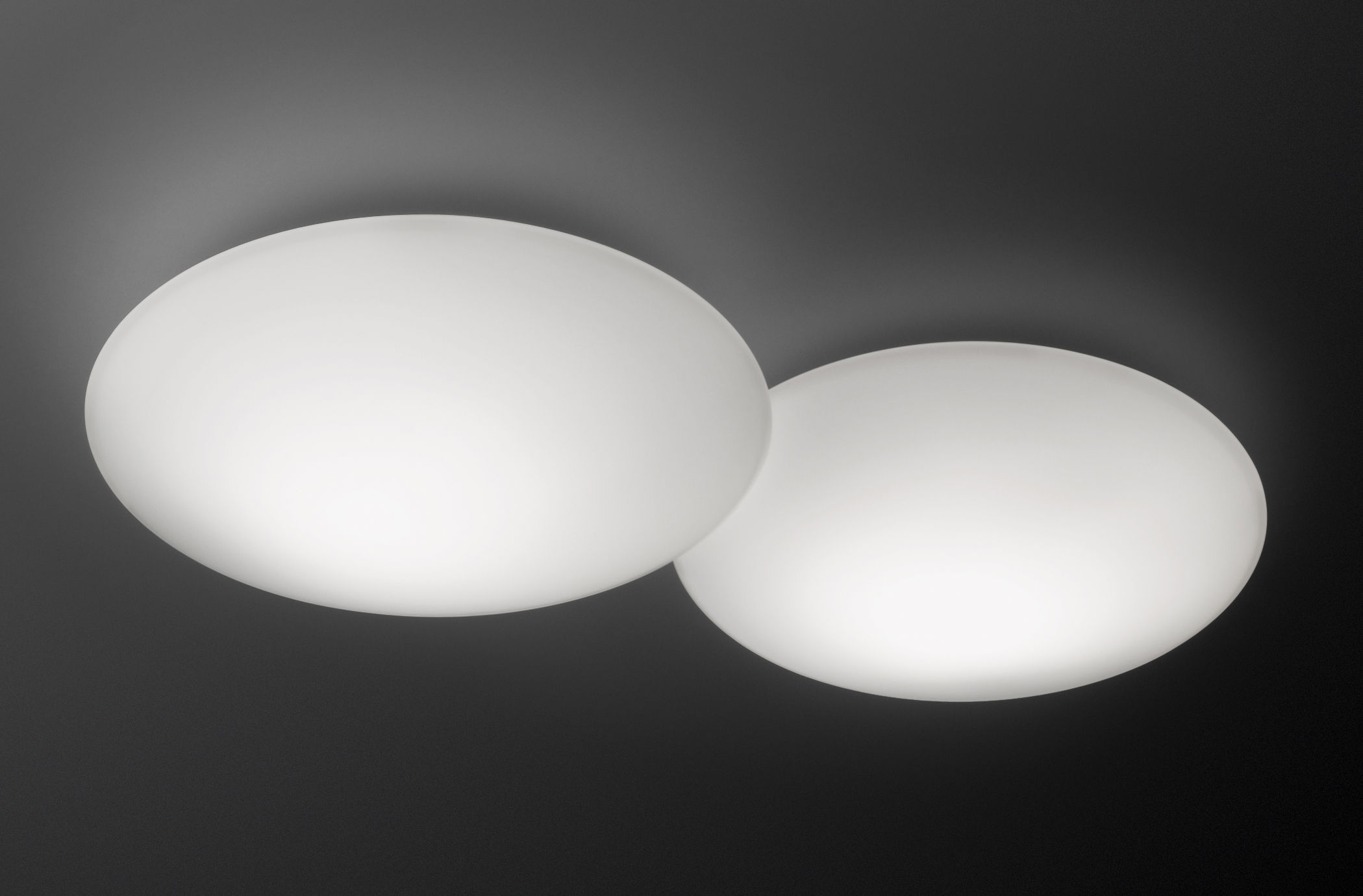 Lighting - Wall Lights - Puck Double LED Wall light - Ceiling lamp by Vibia - White - Blown glass