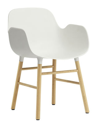 Chaise Form / Pied chêne - Normann Copenhagen blanc/bois naturel en matière plastique/bois