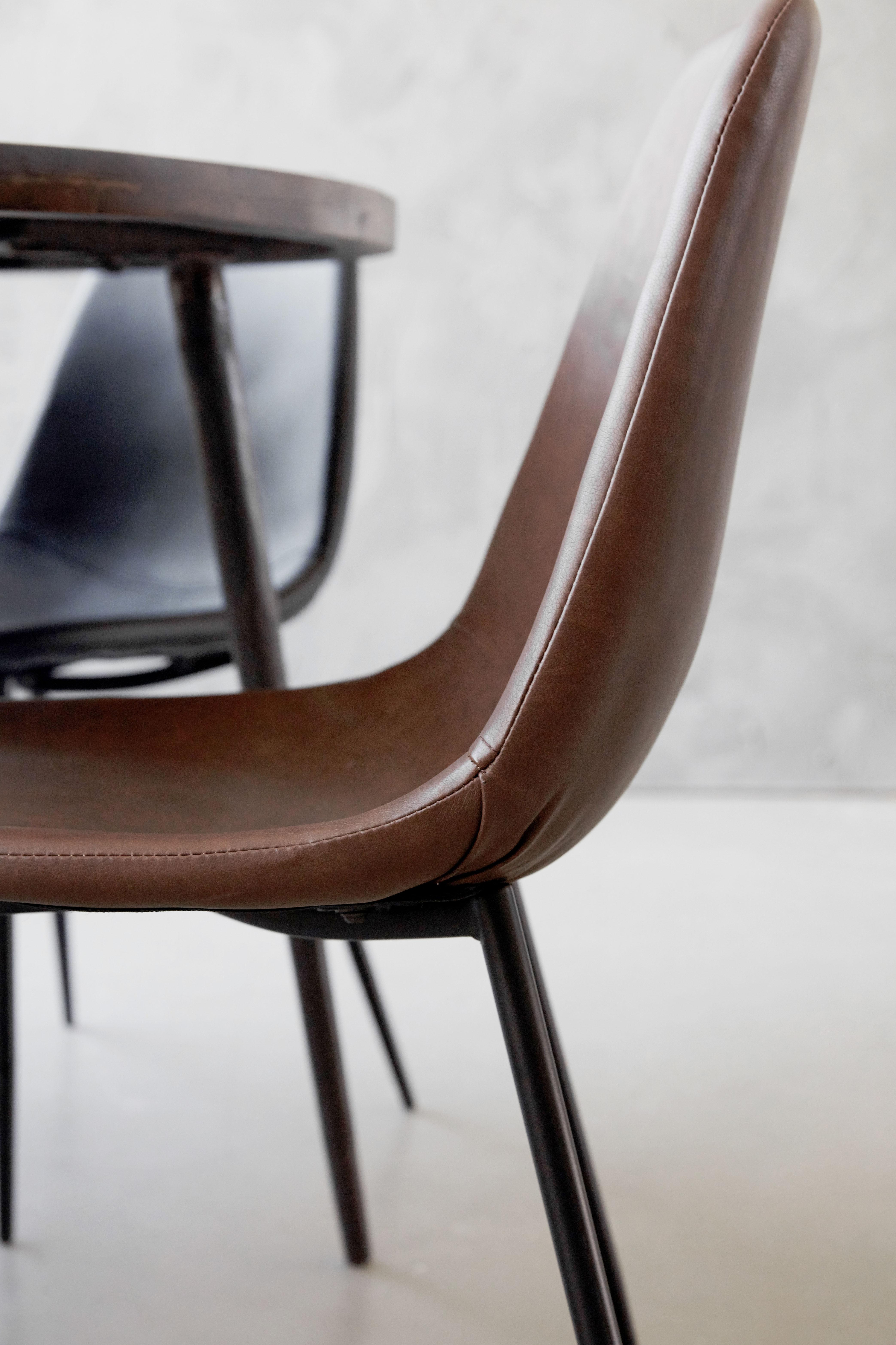 Gepolsterter Stuhl Forms von House Doctor Braun