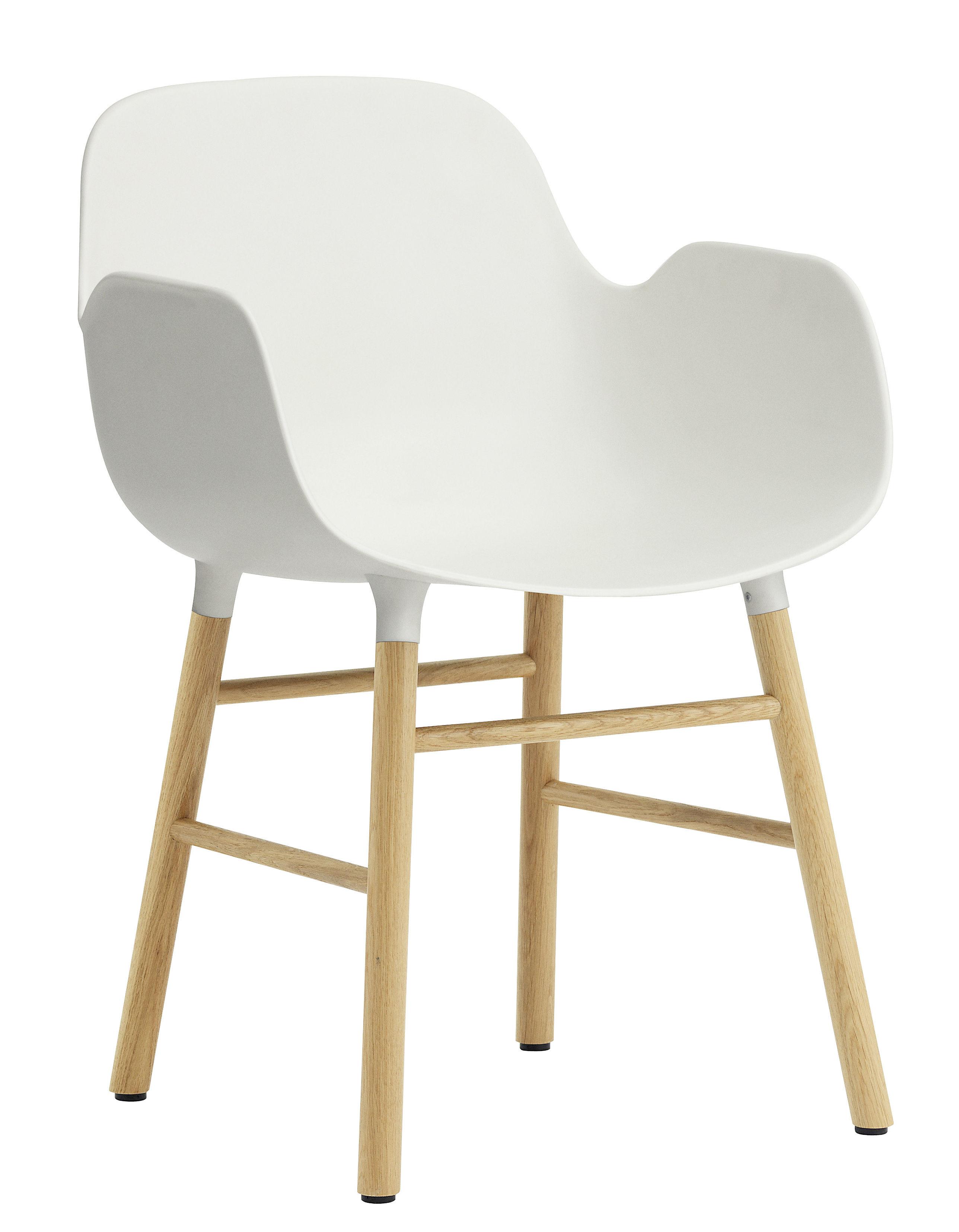 Arredamento - Sedie  - Poltrona Form - / Gambe in rovere di Normann Copenhagen - Bianco / rovere - Polipropilene, Rovere