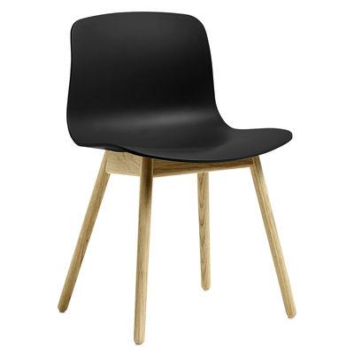 Möbel - Stühle  - About a ECO AAC12 Stuhl / Recycling-Kunststoff -  EU Ecolabel - Hay - Schwarz / Eiche matt lackiert - FSC Eiche, Recycelter Kunststoff