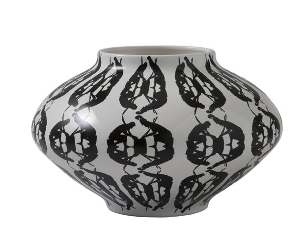 Decoration - Vases - Greeky Vase - Ø 30 x H 19 cm / Hand made by Driade - Black & white - Painted ceramic
