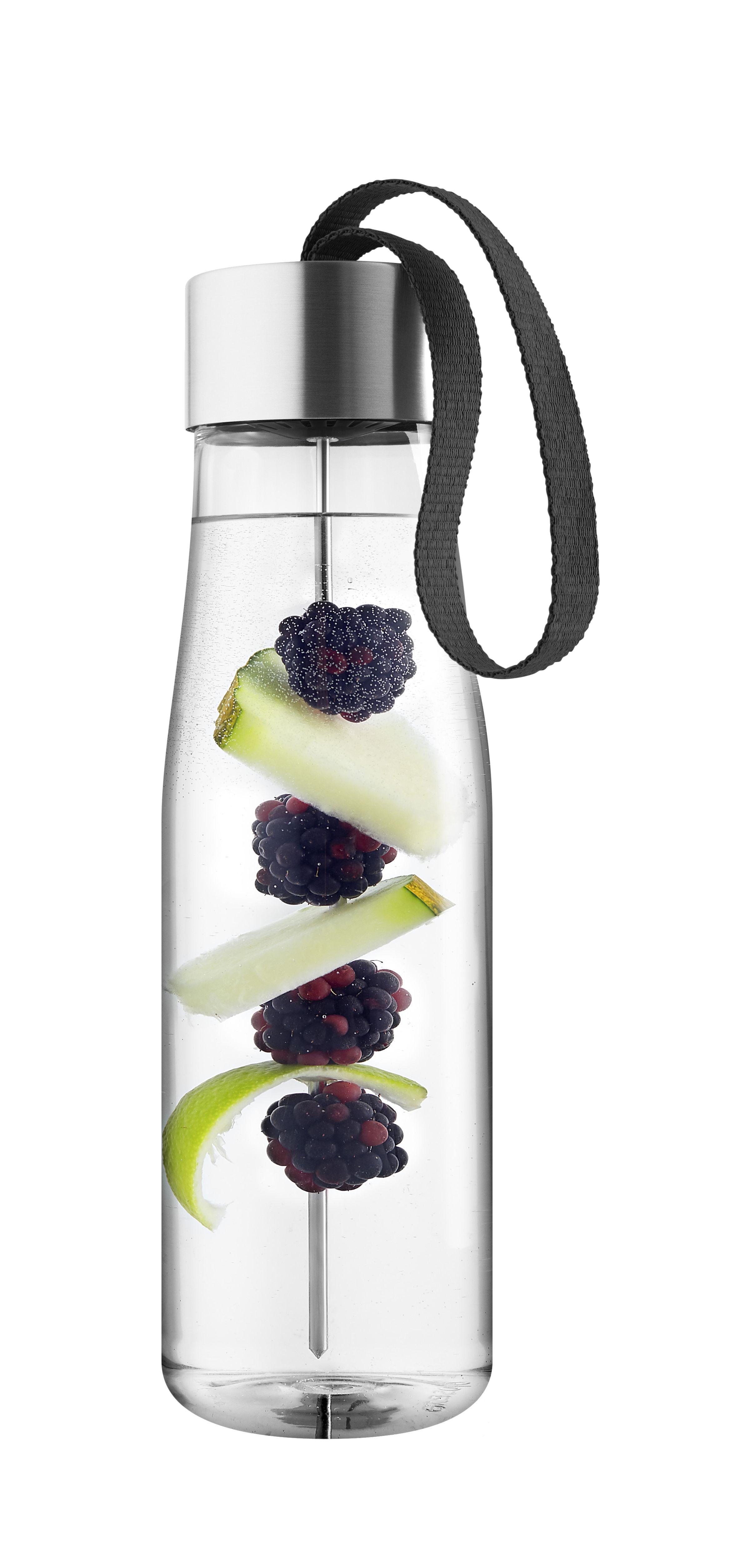 Tischkultur - Karaffen - MyFlavour  0,75L Trinkflasche / umweltfreundlicher Kunststoff - mit Aroma-Spieß - Eva Solo - Textilband schwarz / transparent - Plastique écologique, rostfreier Stahl, Textil
