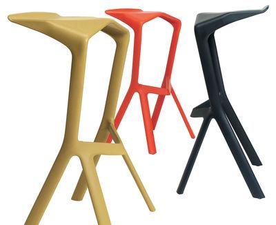 Scopri sgabello alto miura rosso di plank made in design italia