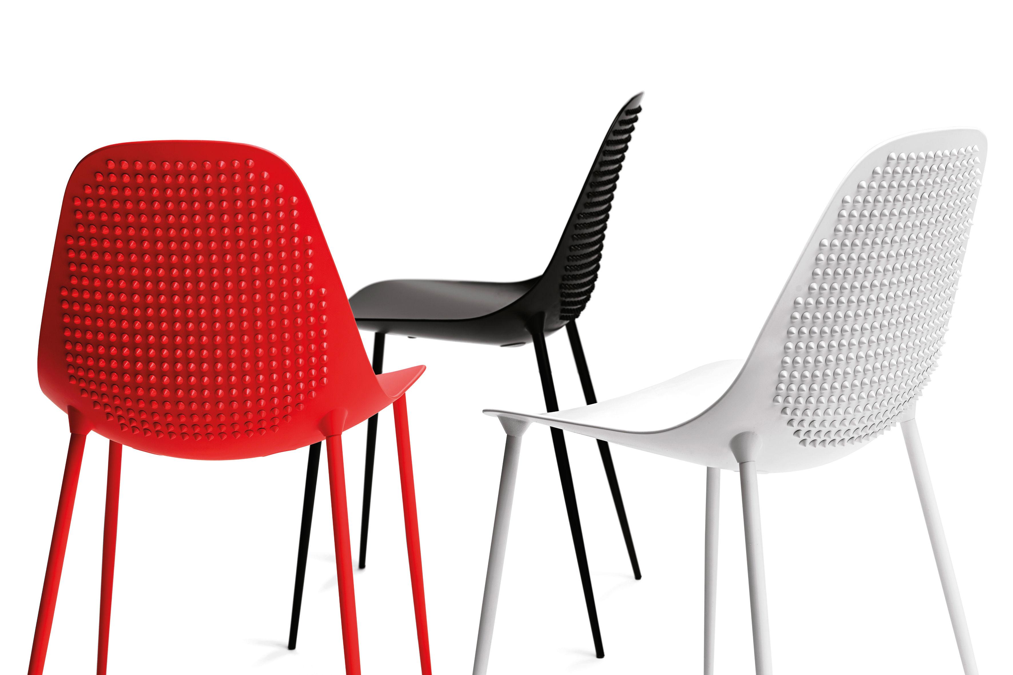 mammamia punk stuhl mit nieten versehen sitzschale stuhlbeine metall chrom gl nzend. Black Bedroom Furniture Sets. Home Design Ideas