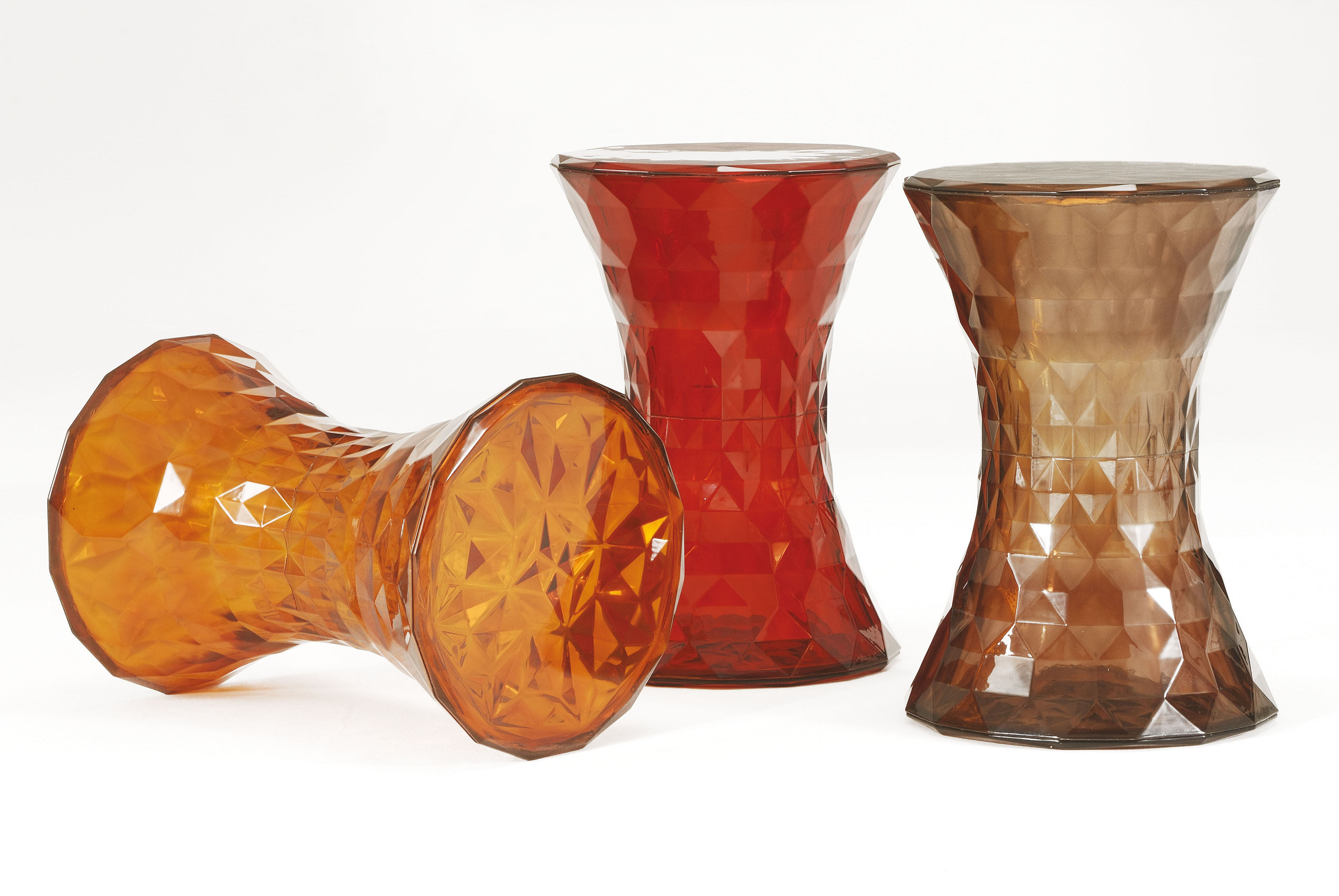 Scopri sgabellino stone rosso di kartell made in design italia