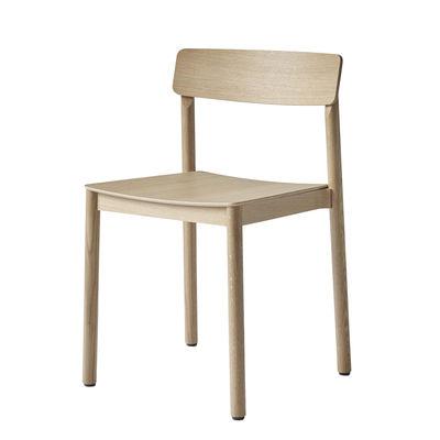 Mobilier - Chaises, fauteuils de salle à manger - Chaise empilable Betty TK2 / Bois - &tradition - Chêne - Bois massif, Contreplaqué