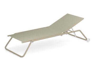 Outdoor - Sdraio, lettini e amache - Letto da sole multi-posizione Snooze - / impilabile - Ruote di Emu - Beige / Struttura talpa - Acciaio verniciato, Tessuto tecnico