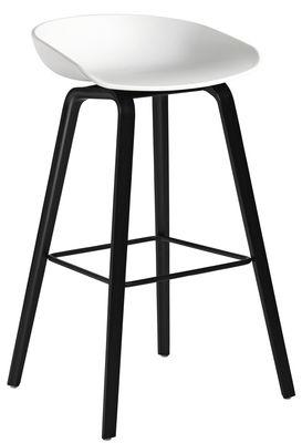 Tabouret de bar About a stool AAS 32 / H 75 cm - Plastique & pieds bois - Hay blanc,noir en matière plastique