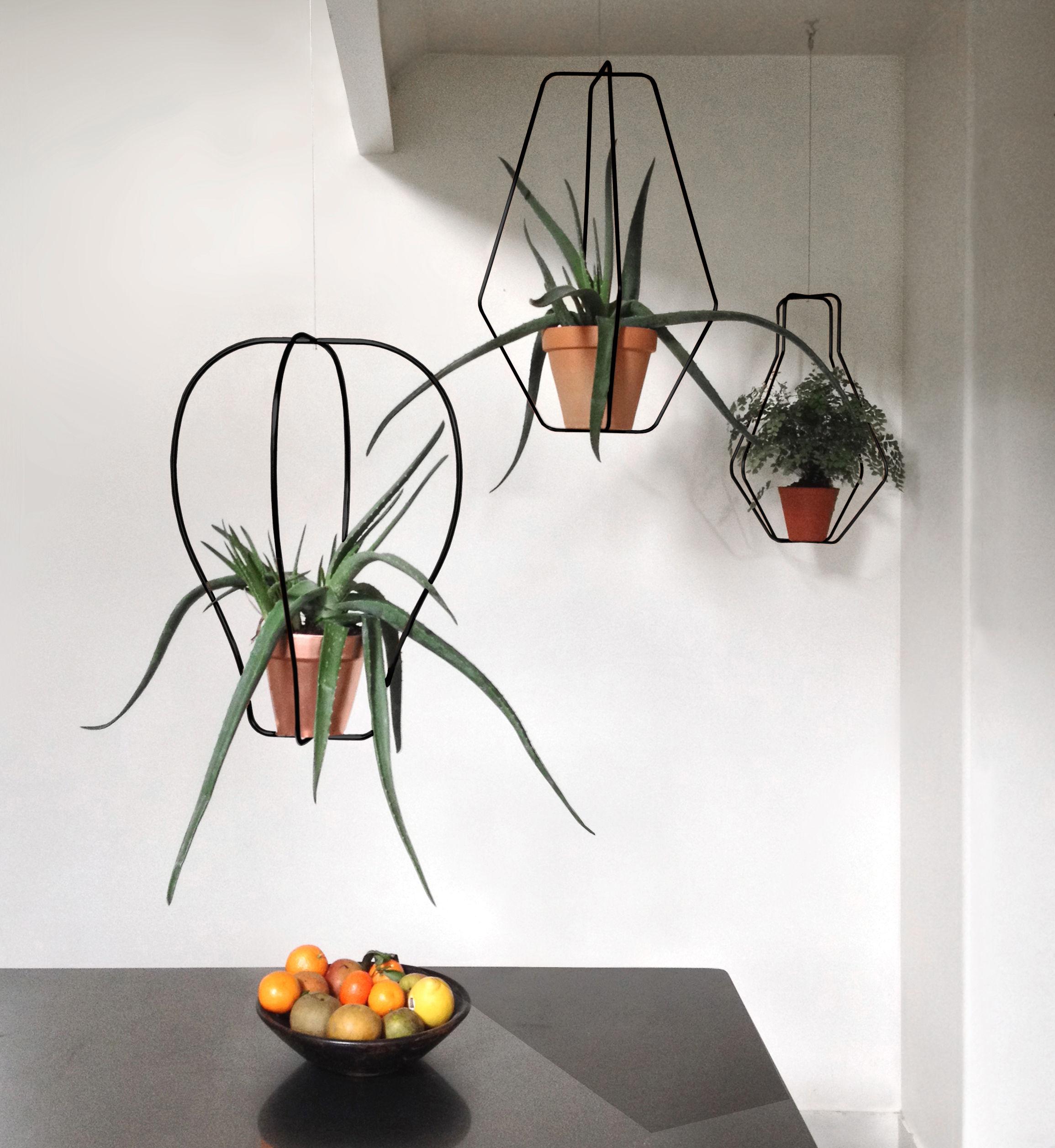 support pour pot de fleurs daniel n 1 compagnie noir l 200 x h 62 x 42 made in design. Black Bedroom Furniture Sets. Home Design Ideas