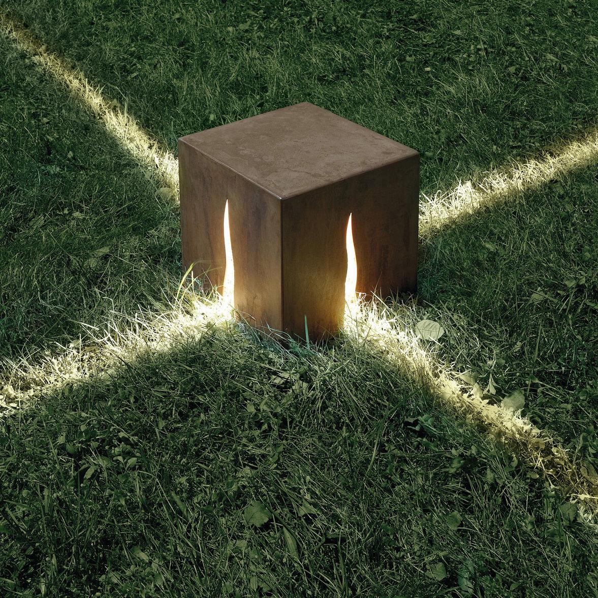 Luminaire - Luminaires d'extérieur - Lampe de sol Granito H 30 cm - Pour l'extérieur - Artemide - H 30 cm - Couleur bois - Acier